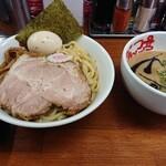 なんつッ亭 - 玉子入りつけ麺