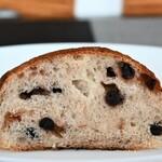 天然酵母パン 味取 - ブルーベリーとホワイトチョコ