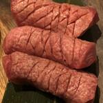 和牛焼肉 Beef Factory73 - 特上厚切りタン塩