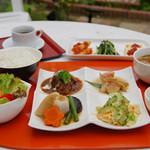 遊食屋ガーデン - 料理写真:昼限定「とっておきランチコース」1,890円。デザート・コーヒー付き