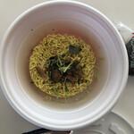 125639682 - カップ麺になった鶏そば298円(税込)…お湯を注ぐ前♪