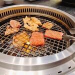 タンと焼肉 やま龍 -
