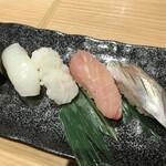 どすこい四文屋 - 烏賊、蛸、カンパチ、コハダ各@100円(税別)