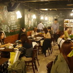 韓Cook - 1Fカフェ風のおしゃれな空間でおいしい韓国料理をお楽しみ。