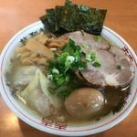 龍聖軒 - 料理写真:特製塩ラーメン 並(1150円)