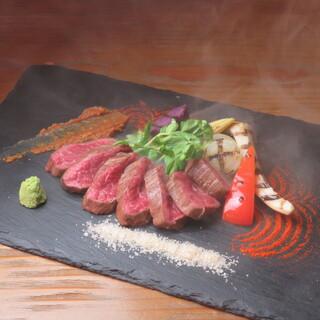 お肉のこだわり!上質な備前黒牛を瞬間燻製でお楽しみください