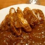 ONDEN - カツカレーでもお肉がしっかりと入ったカレールー。