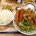ごちとん - 山盛りごちとん豚汁定食890円(定食プラス250円)