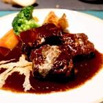 洋食オリホン Yoshoku BAR & Restaurant - じっくりと時間をかけて作る煮込み料理