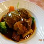 ボンファム - 麦豚のロールキャベツとシチュー