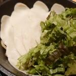 麺屋 時茂 - 料理写真:麺・サニーレタス・鶏チャーシュー