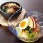 冷麺と石焼ビビンバのハーフ&ハーフランチ