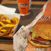 A&W - 料理写真:モッツァバーガーとチリチーズカーリーフライ