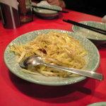 龍口酒家 - 黄韮とベーコン炒め