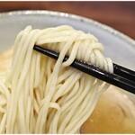 中華蕎麦 きつね - 風味、コシ共に良好な麺。