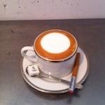 プレストコーヒー - ドライカプチーノ クリーミーなフォームドミルクたっぷりのカプチーノ \650