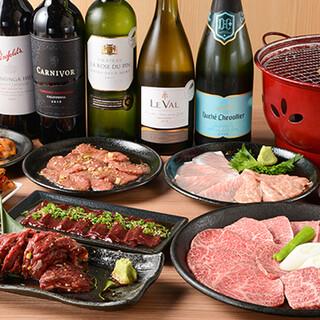 肉専用ワインのほか、多彩なワインや定番ドリンクを豊富にご用意