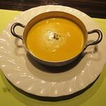 ステーキハウス蜂 - スープは、カリフラワー。