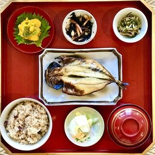 【東京家庭料理】東京生まれの女将が作る季節のお任せコース!