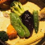 イエロー - チキン野菜カリー(野菜)