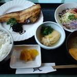 食彩和楽つづみ - ランチ750円 ほっけの開き