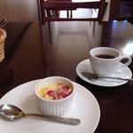 ん bistro - ランチのデザート、コーヒー