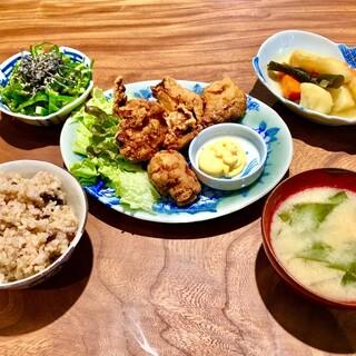 外国人の方々に日本の家庭料理を広めたい!和風カフェ&バー!