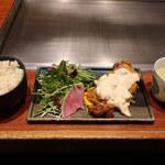 125742716 - 国産鶏もも肉のチキン南蛮揚げ                          鶏麦飯+滋養健康鶏スープのセット