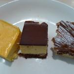 ソラカフェ - ミニケーキ3種類(タパスランチビュッフェ:\1,280、2012年4月)