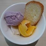 ソラカフェ - アイスクリーム2種類とシュガーラスク(タパスランチビュッフェ:\1,280、2012年4月)