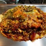 ロペズ - 料理写真:肉玉そば(イカ天、ハラペーニョトッピング)