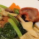 龍華 - 牛肉と野菜のあんかけ焼きそば