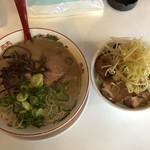 メロディー - メロディラーメン と ネギチャーシュー丼