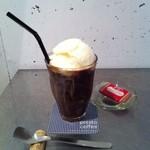 プレストコーヒー - エスプレッソフロート アイスエスプレッソとミルクジェラートをご一緒に。¥680