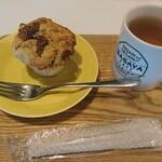 ササヤカフェ - いちじくと紅茶のグルテンフリーマフィンセット
