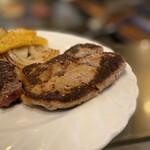 ステーキハウスひのき - まぐろハンバーグ