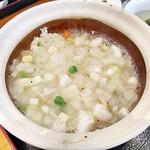 125779709 - 今週のポーザーハン950円(税込)を注文!説明には魚介と野菜のブラックペッパー炒めとありました。