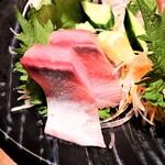 魚と日本酒 uchi  - 刺身盛り合わせ