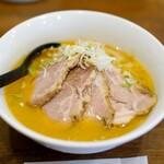 札幌味噌麺 優 - 料理写真:味噌チャーシュー1030円