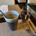 蔵KURA - ジャスミンティーとお水