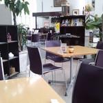 風の森 コスモポリタンカフェ - 店内