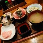大阪炉端キッチンMARUDA-I - 海鮮丼