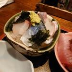 大阪炉端キッチンMARUDA-I - 海鮮丼・1の丼
