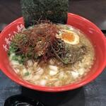 千葉らぁ麺 - 料理写真:鯖燻アヒージョ南房総ラーメン+薬味増し(こねぎ・刻み玉葱)