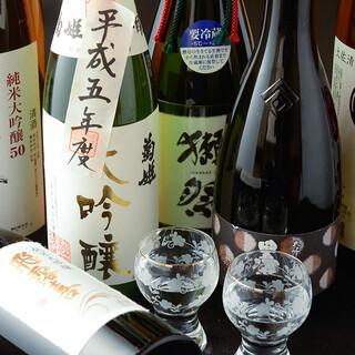 全国各地から厳選された地酒を、月替わりでお愉しみください。