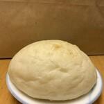 125804452 - ハイジの白パン