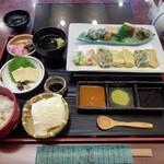 清水 順正 おかべ家 - 生麩の天ぷら膳(1900円)