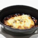ル・マンジュ・トゥー - 牛頬肉の赤ワイン煮込み グラタン仕立て
