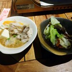 125818310 - 胡麻ダレ(左)とポン酢