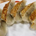 大村庵 - 蕎麦屋とは思えない立派な餃子。<2012_04>